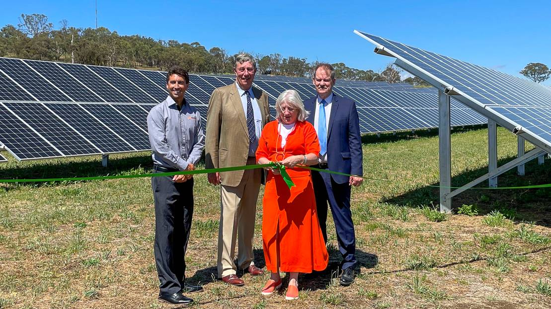 Clayton Eigenmann Solgen Energy Group, Chancellor James Harris, Vice-Chancellor and CEO Professor Brigid Heywood and Professor Peter Creamer officially open the UNE solar farm