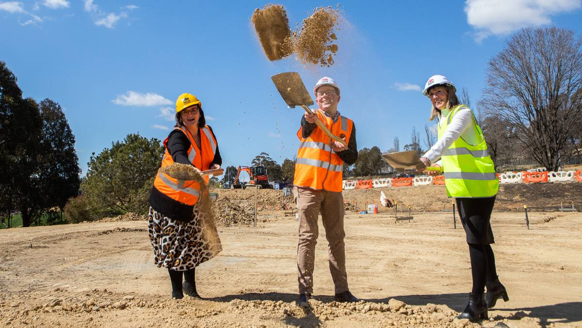 Turning the first ceremonial sod of soil on the new $3 million Agriculture Hub, as part of the new $121 million school, Education Minister Sarah Mitchell, Northern Tablelands MP Adam Marshall and Armidale Secondary College Principal Carolyn Lasker.